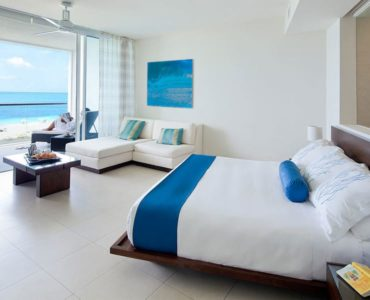 Hotel WordPress theme room 1 370x300 - Home